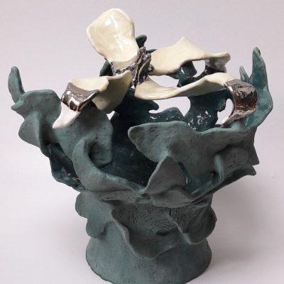 'Vaas met kroon', keramiek, glazuur, luster, 32 cm hoog , 2016