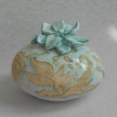 'Turquoise bloemen', keramiek, 21 cm hoog, 21 cm hoog, 2013