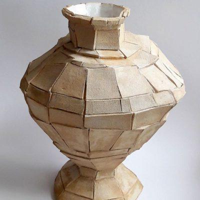 'Mijn eerste plakjes vaas', steengoed, 37 cm hoog, 2018