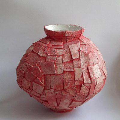 'Rode lapjesvaas', keramiek, oxide, 42 cm hoog, 2018